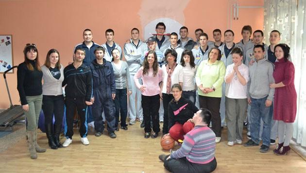 Košarkaši Mege, pred meč sa Vojvodinom, posetili Centar za osobe sa invaliditetom u Kruševcu